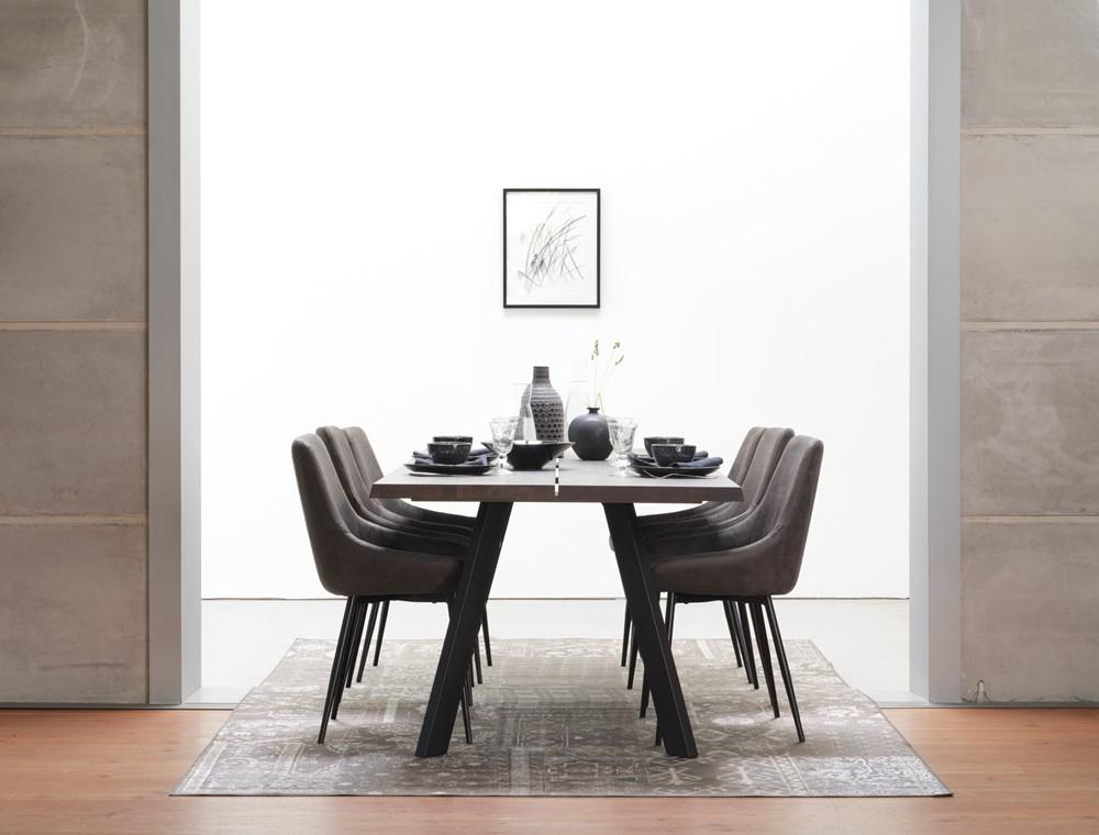 Fred pöytä 240 tummanruskea tammi / musta, Rowico