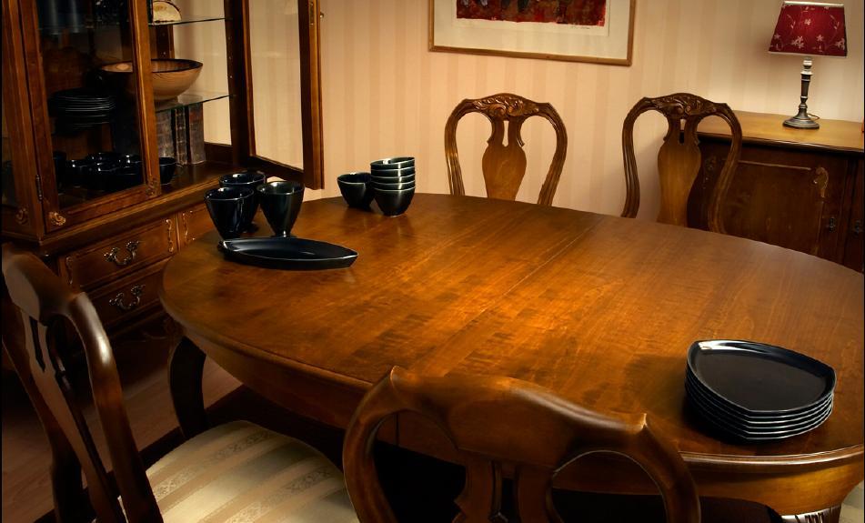 214 talonpoikaisrokokoo ruokapöytä ovaali