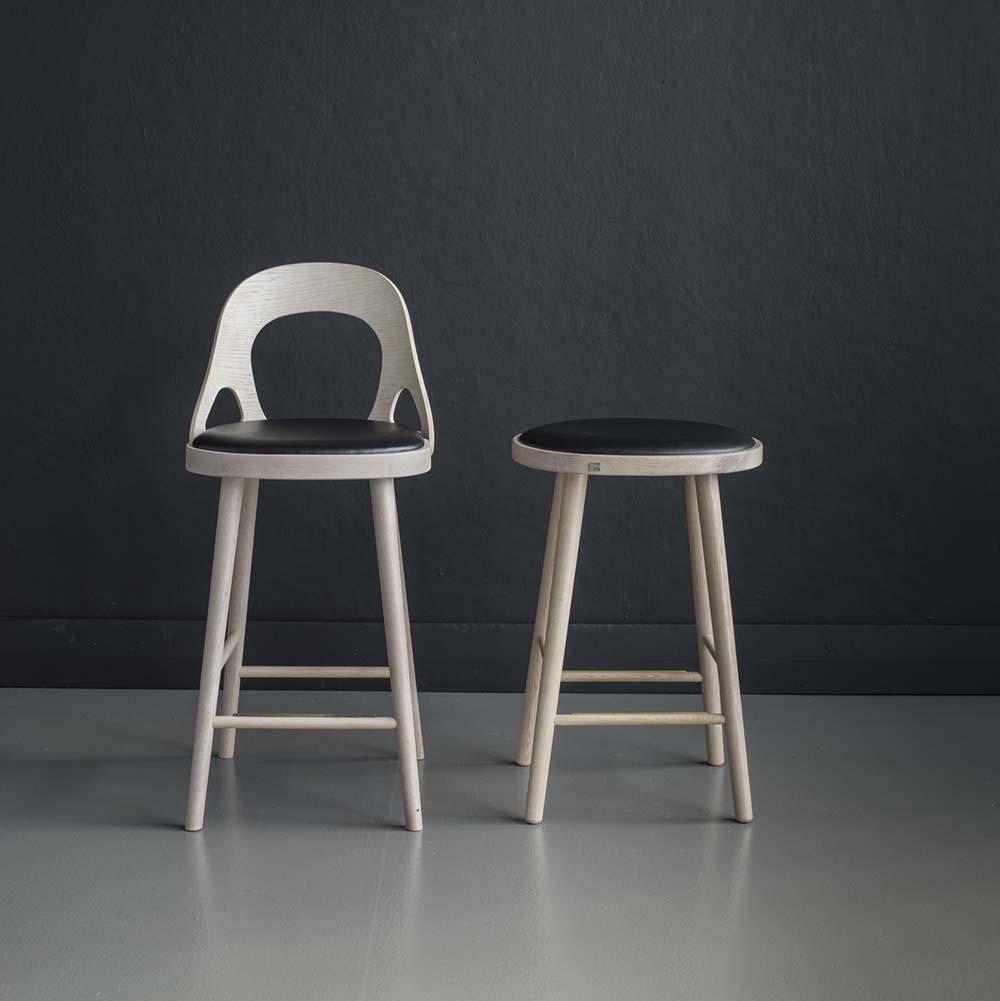 Colibri baarituoli 63 valkolakattu tammi, bonded musta, Design Markus Johansson