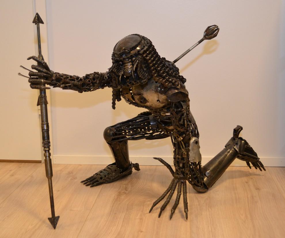 Predator patsas romumetallista, Mr.KO Art Area